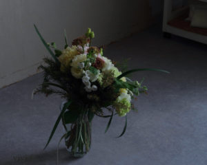 ホリゾンタル花束vivi.f北九州フラワーアレンジメント
