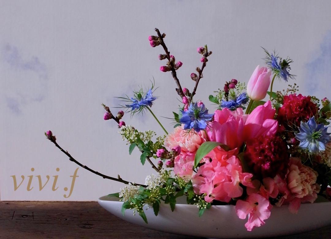 桃の節句フラワーアレンジメントvivi.f北九州